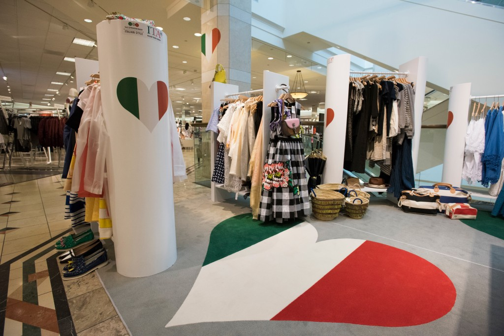 quality design 30f9a 5145f A Trendy New Pop-Up Store Is For Texans Only: Italian Style ...