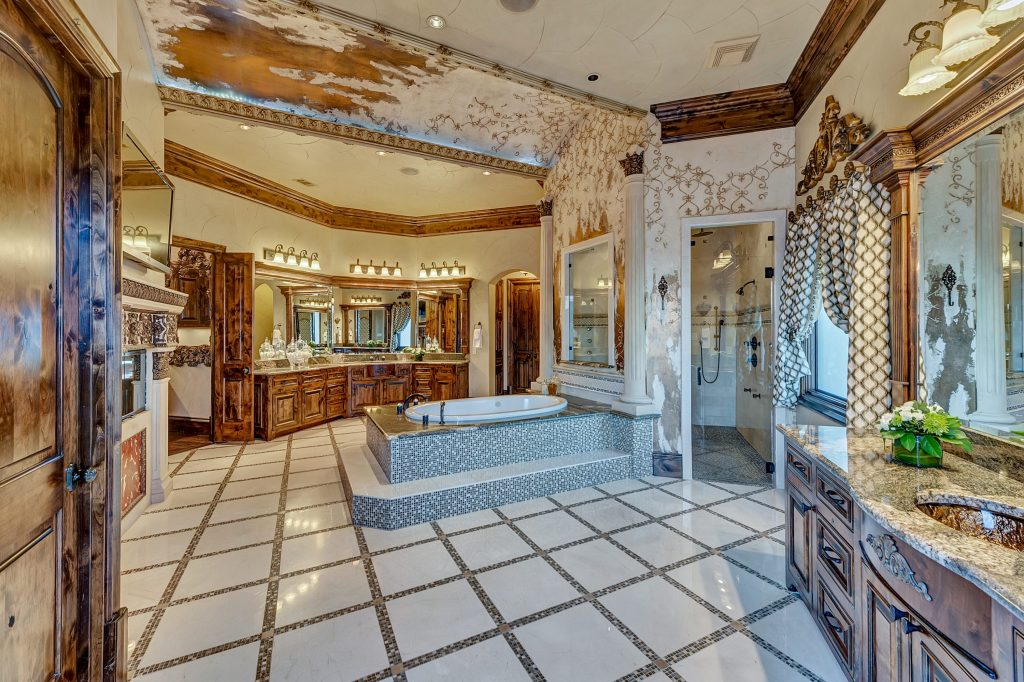 The bathroom of the master suite.