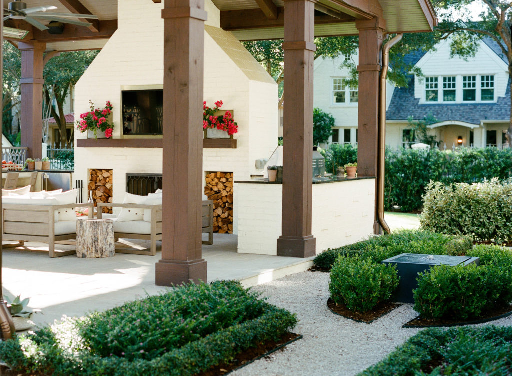 Lanson B. Jones & Co. knows that your outdoor space can be your sanctuary.