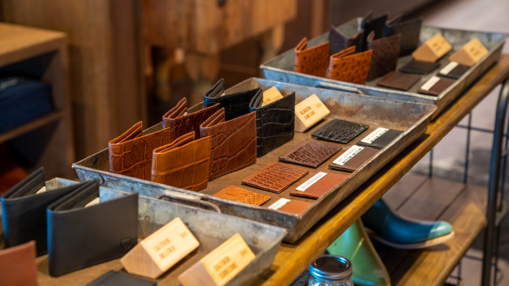 tecovas – 3 leather goods and wallets